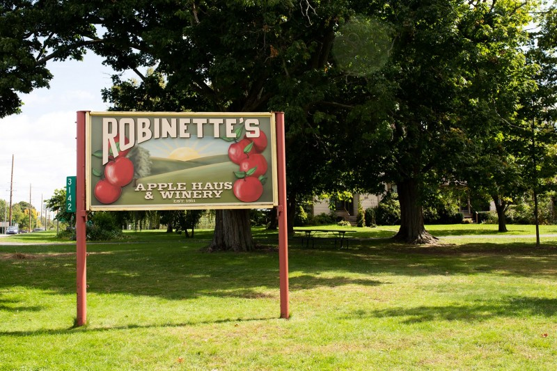 Harvest Fun In Full Swing At Robinette S Le Orchard