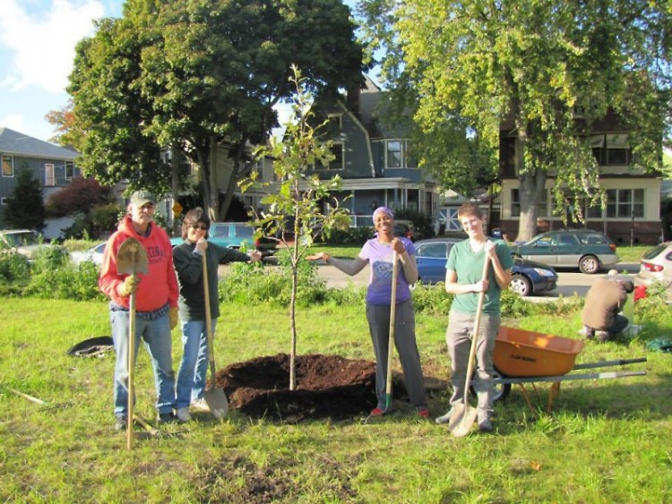 Volunteers and citizen foresters with Friends of Grand Rapids Parks