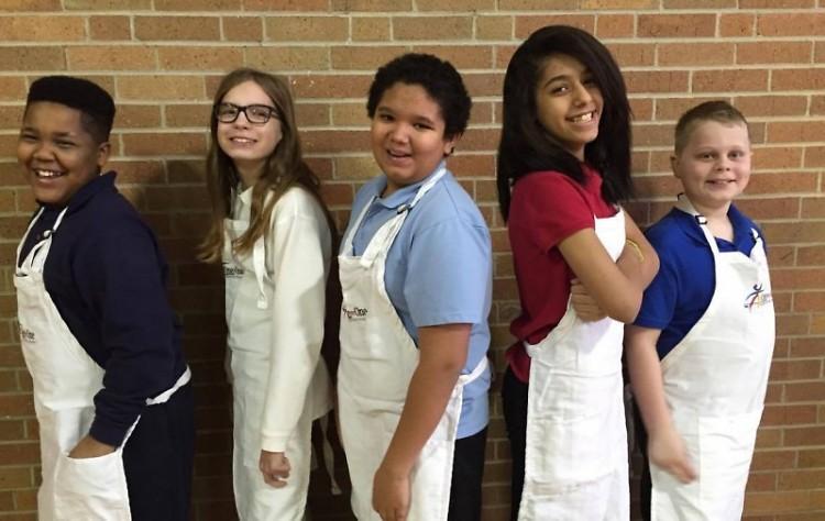 Shawmut Hills students preparing for the lasagna dinner