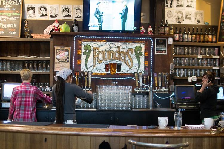 Founder's main taproom bar.