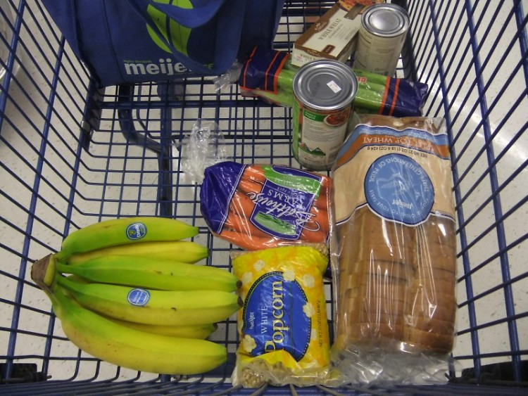 Dine's shopping trip with $30.59 for the week kept her shopping trip limited to basics and sale items.