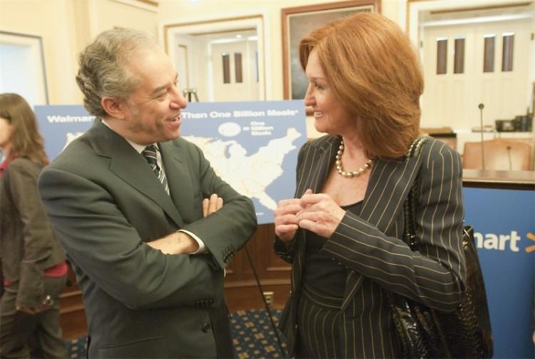 Walmart's Vice Chairman Eduardo Castro-Wright and Feeding America's CEO Vicki Escarra