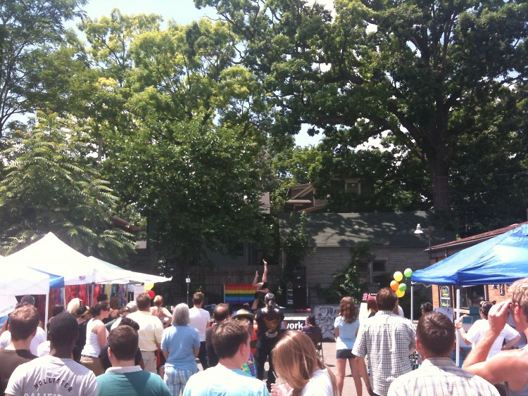 Network Neighborhood Bash crowd