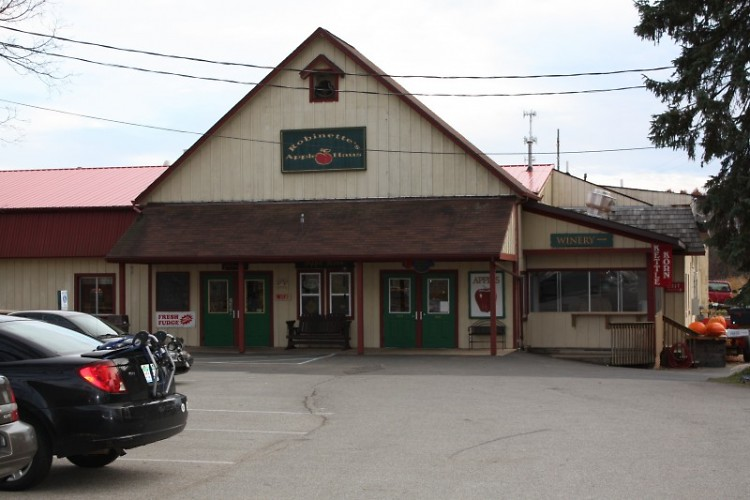 Robinettes Apple Haus is still open for business despite loss of crops
