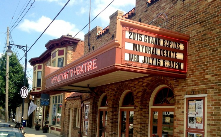 Wealthy Street Theater hosts the 2015 mayoral debate