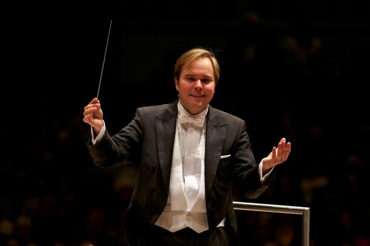 Music Director Marcelo Lehninger conducts the Grand Rapids Symphony in four programs in 2016-17