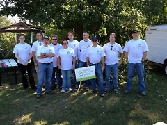 Amway volunteers at Roosevelt Park