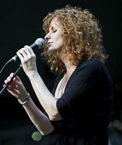 Cathie Ryan is former lead singer with Cherish the Ladies, a ground-breaking, all-female, Irish and Celtic ensemble.
