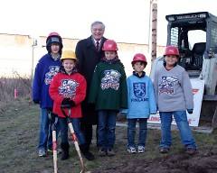 Mayor George Heartwell and Griffins Youth Foundation children.