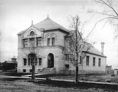 The Ladies' Literary Club built this clubhouse in 1887 at 61 Sheldon Blvd. SE, the first of its kind in the United States