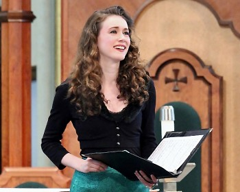 Nola Richardson received the 2019 Linn Maxwell Keller Distinguished Bach Musician Award at the Grand Rapids Bach Festival.