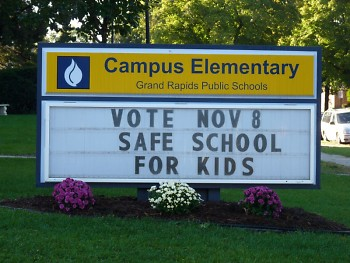 Campus Elementary school sign