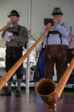 Alpentraum performing for Oktoberfest