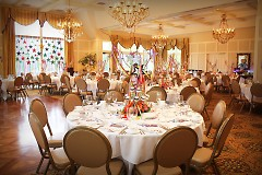 The event was held at Cascade Hills Country Club; decorations provided by Procedo Events.